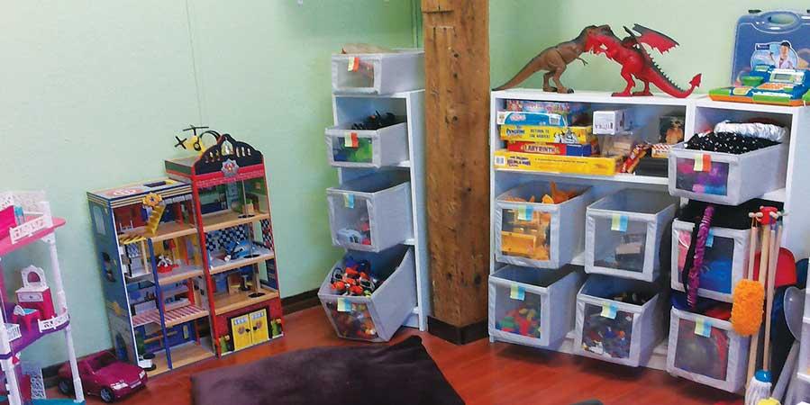 Toys-Shelves